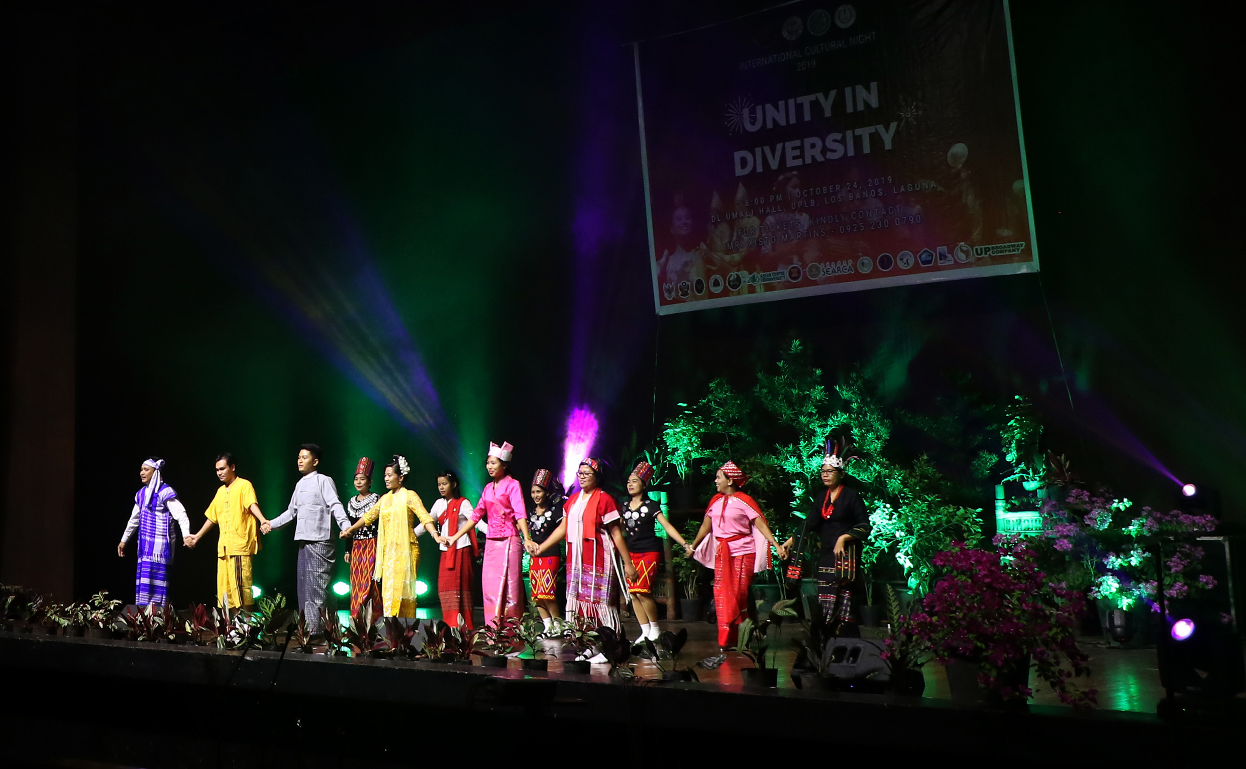 Int'l students stage cultural night