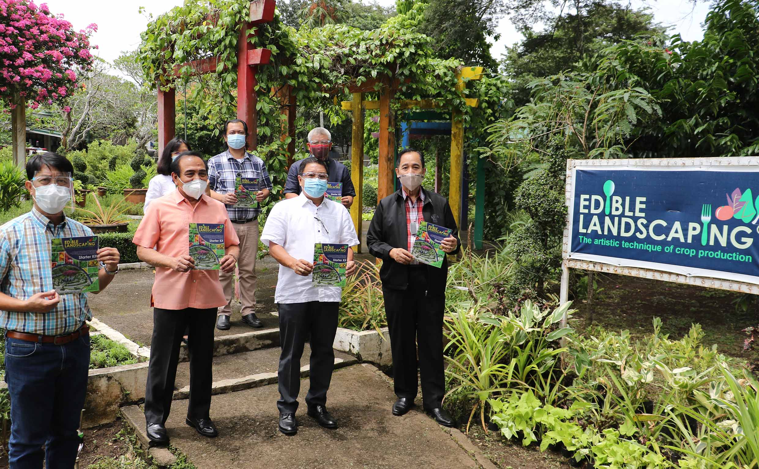 UPLB turns over edible landscaping kits to Sec. Dar